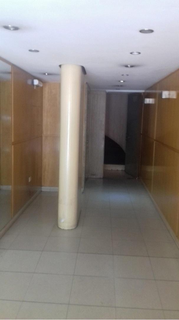 Paraguay-Larrea. Excelente s/piso 3 amb.bño. toil.frente, balcón, muy luminoso. Impecable!!