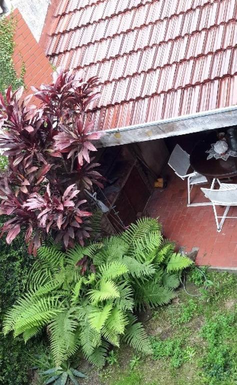 T/Casa al fondo 4 dorm. jardin quincho ideal 2 familias