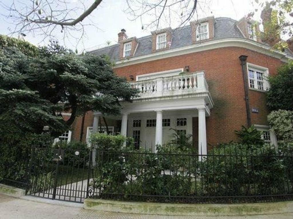 Casa en venta en juez j b estrada 2853 palermo chico for Casa de azulejos en capital federal