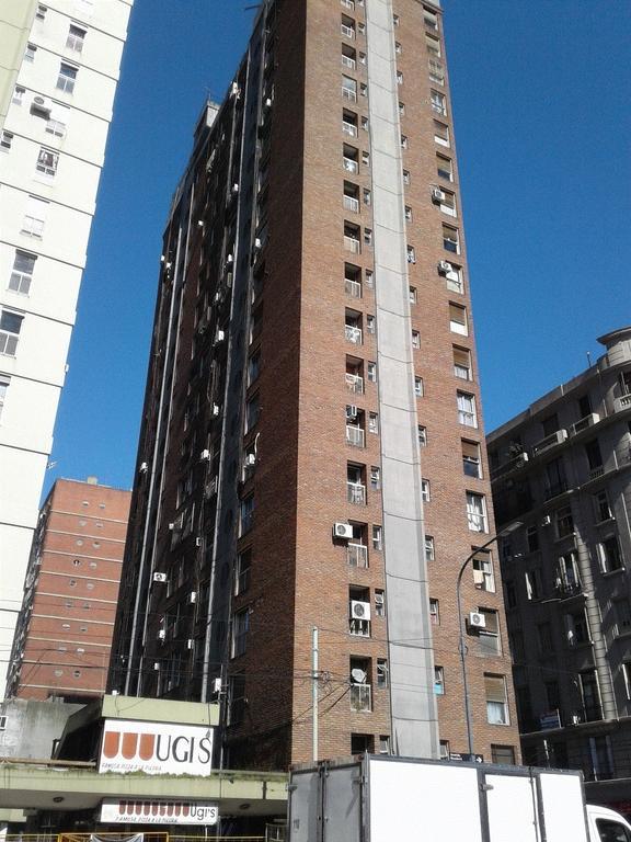 """Excelente Ubicacion"" Frente a plaza Once, Rivadavia 2976, 3 Amb. Muy Luminoso."