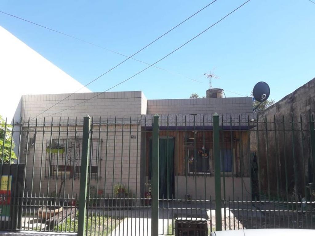 Venta casa, 3 amb, APTO CREDITO Almirante Brown, USD 65000