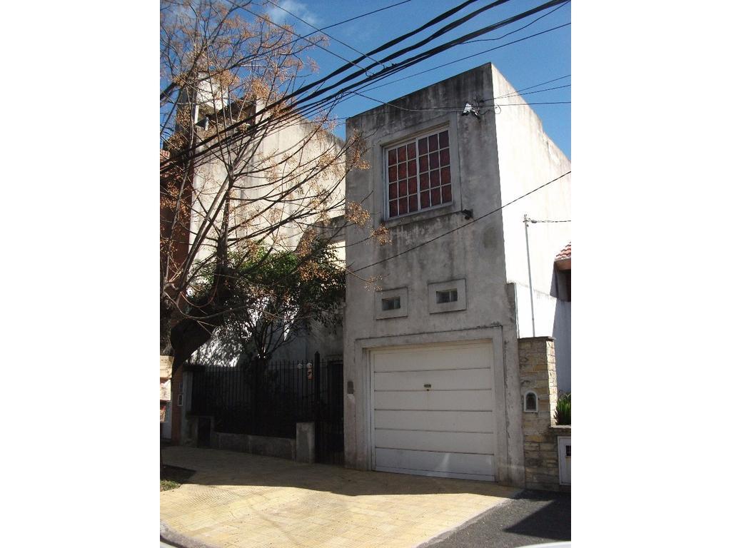 Casa de 5 amb, Garage cubierto, Cocina, Comedor, Terraza, Picina y Parrilla. Florida, Vte. Lopez
