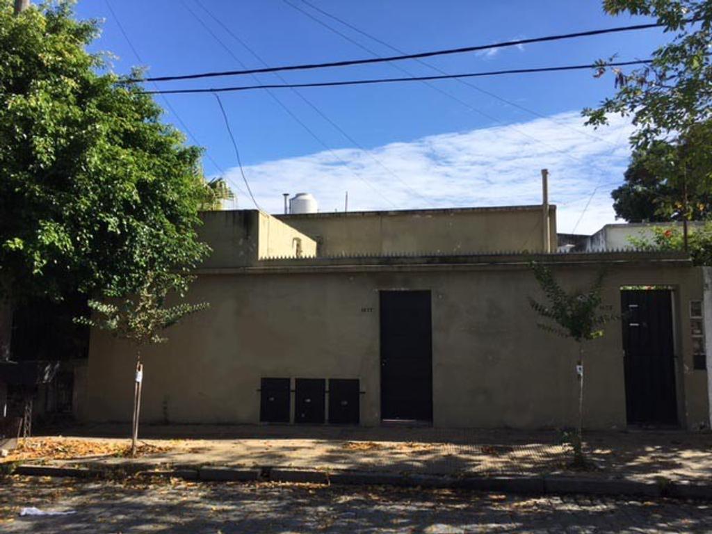 Casa - Venta - Argentina, San Fernando - 25 DE MAYO 1675/77