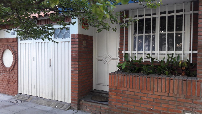 Departamento tipo casa M. Paz 4000