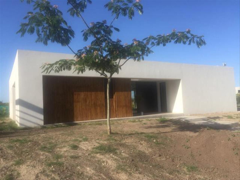 Casa en Venta en San Matias - 5 ambientes