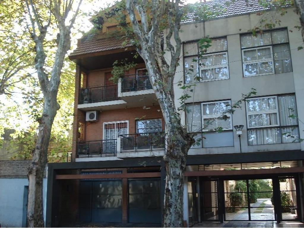 Duplex 4 ambiente en complejo privado. con cochera