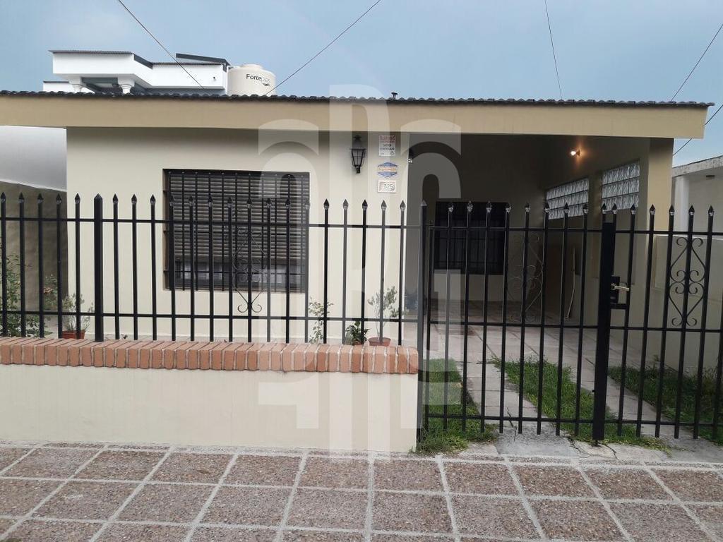 Casa en Alta Gracia, excelente ubicación, APTA CRÉDITO!