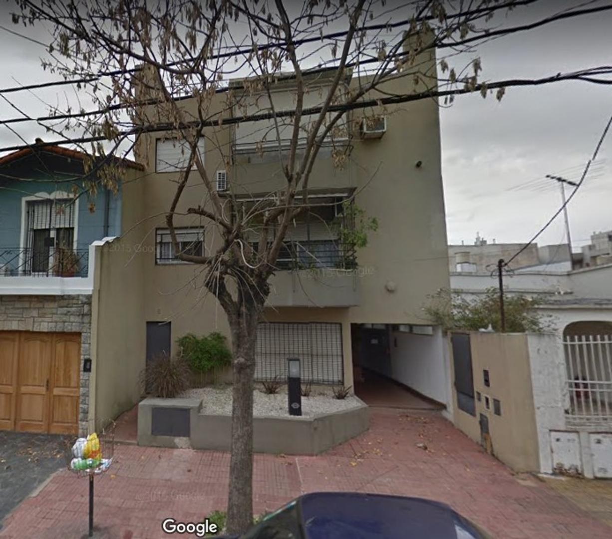 Bien ubicado San Isidro, 2 ambientes muy luminoso, 1º piso