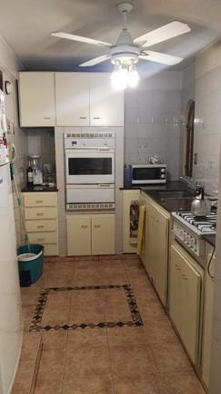 3 ambientes muy amplios de categoria, con gran cocina y comedor diario, baño completo y toilette.