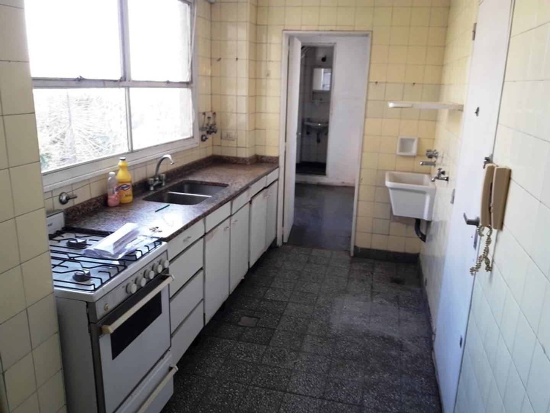 4 amb con dep balcon cocina office toil frente al  Botanico   1 cuadra Subte D Plaza Italia