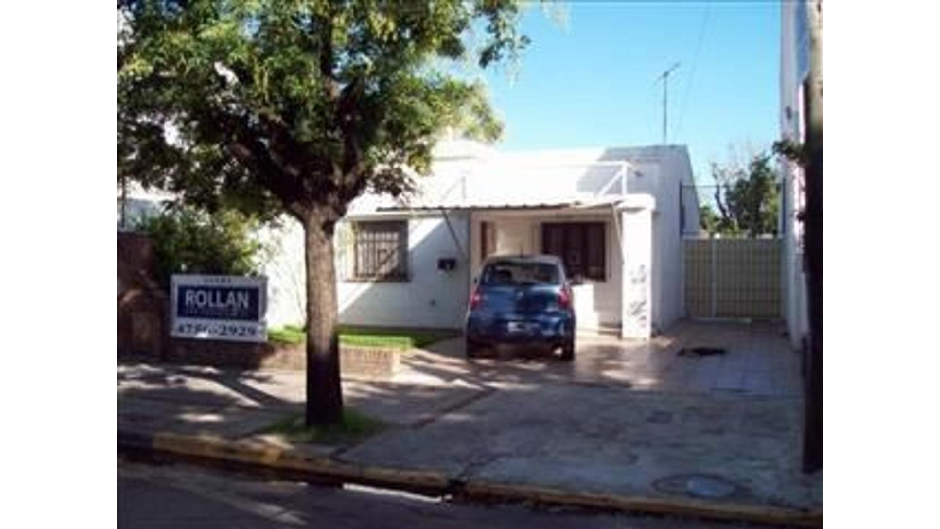 Excelente Chalet de 3 amb. con piscina y amplio jardin libreen venta en Villa Adelina!!