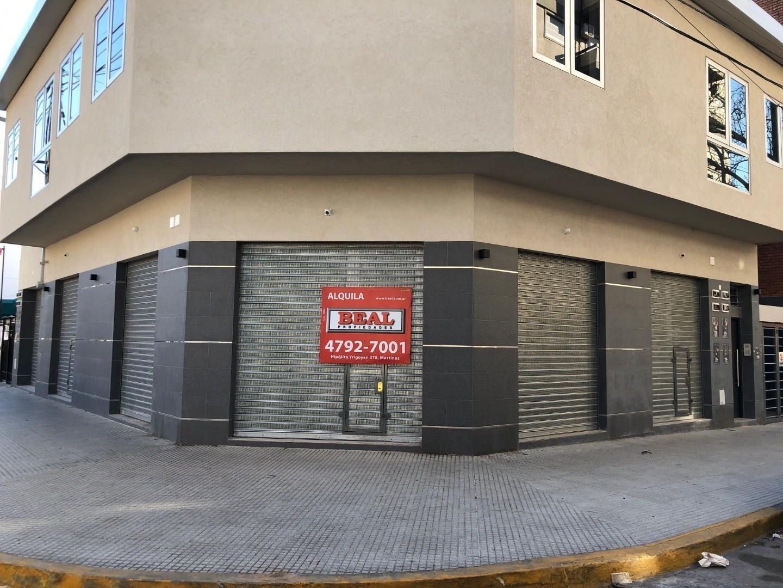 Venta en Block 390 m2 cub, 4 locales + 4 oficinas a estrenar!!