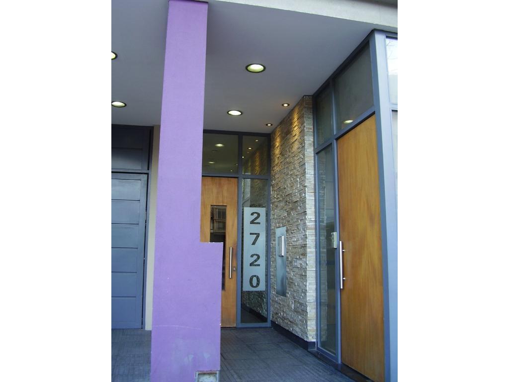 Excelente monoambiente de 35 mts. divisible, balcon fte, orientación N, baño completo, APTO CRTO. AP