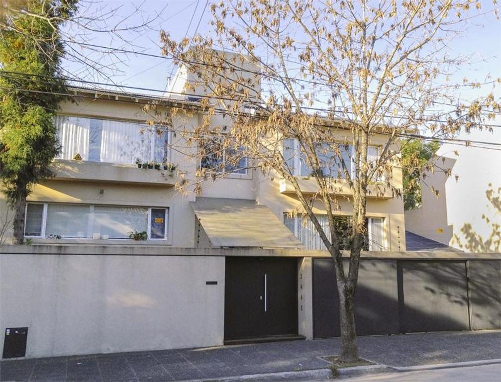 Impecable  Residencia de 5 dormitorios 500mts cub  doble lote 750mts  gran parque con piscina - La L