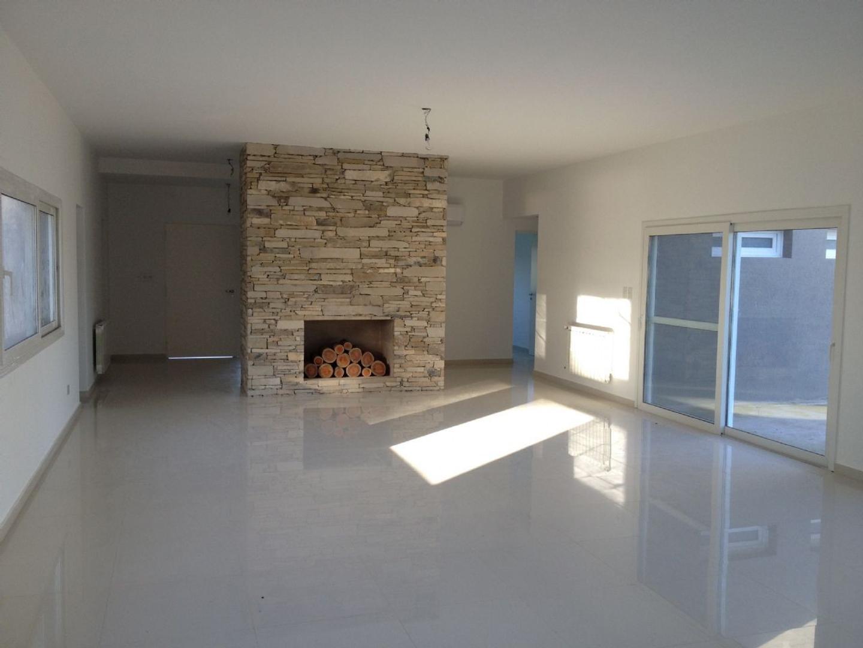 Casa  en Venta ubicado en Chacras de General Rodriguez, Zona Oeste - OES1024_LP158784_1