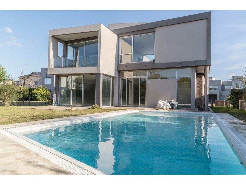 Casa en venta en propiedad premium el rocio el rocio for Alquiler casa en el rocio