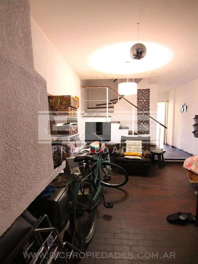 Casa en Alquiler con cochera