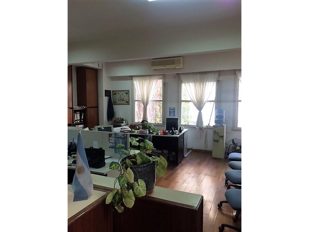 oficina en venta en el centro - OFICINA SÚPER CÓMODA EN PLENO CENTRO