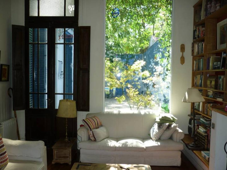Magnífica casa con jardín y pileta
