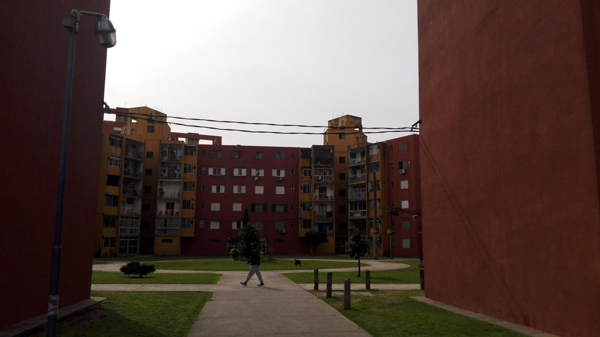 Dto. Torres de Madero s/calle Olavarria - Villa Madero