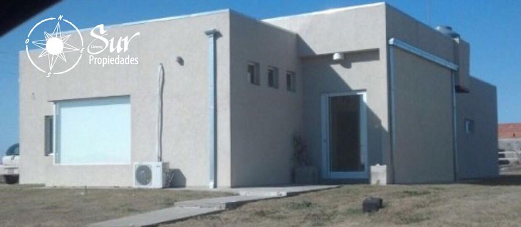 Casa estilo minimalista en Barrio Santa Rita - Canning - Acepta permuta !!!