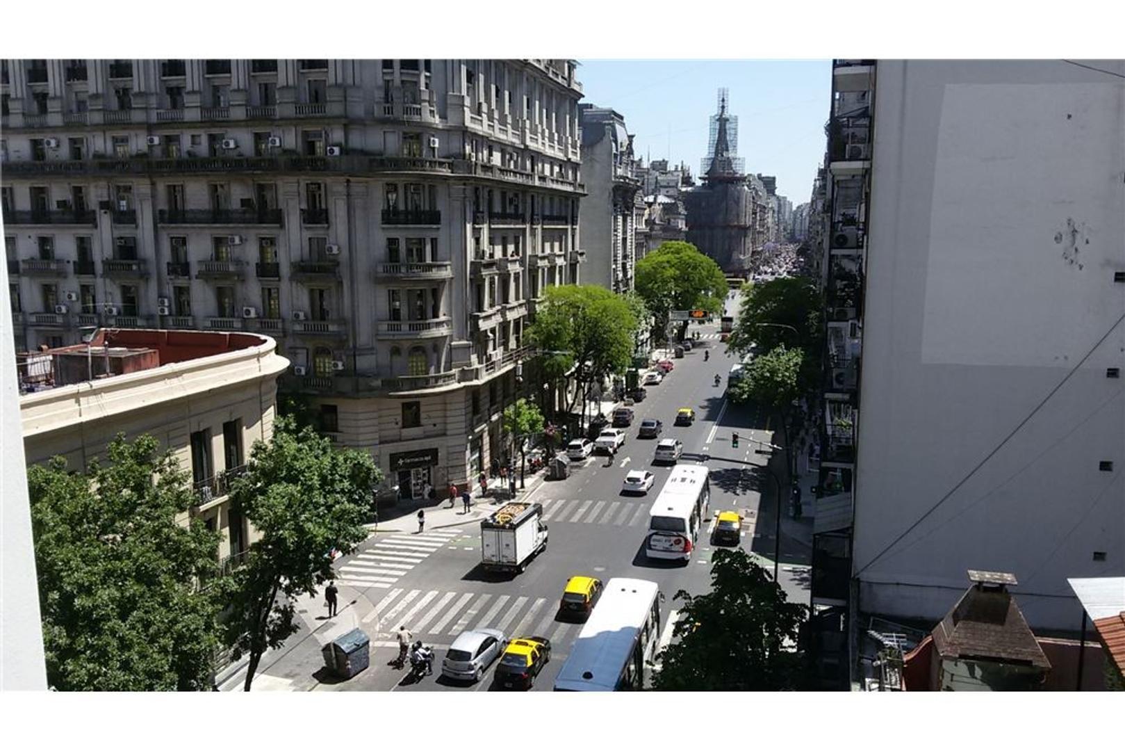 Venta Depto Congreso 4 amb dependencia Frente Luz