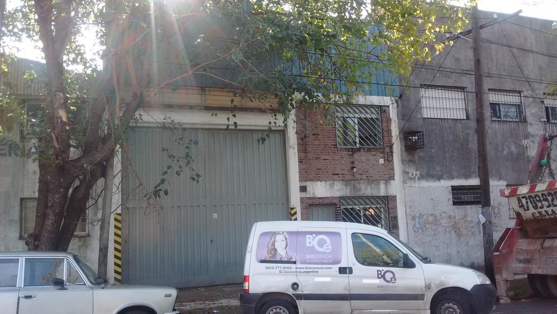 EXCELENTE GALPON EN ZONA INDUSTRIAL DE VILLA MARTELLI