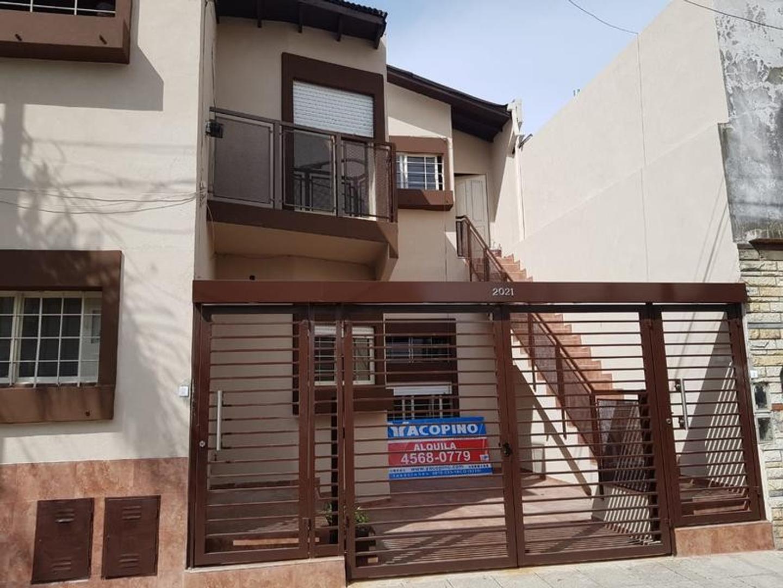 Depto Tipo Casa en Alquiler en Villa Devoto - 3 ambientes