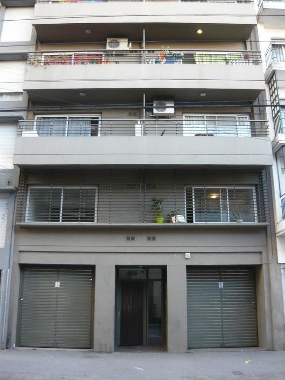 Hermoso monoambiente con balcón al frente y contrafrente