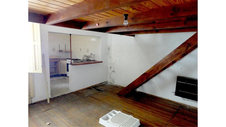 Montevideo 339 -Departamento de pasillo a RECICLAR - No PH -