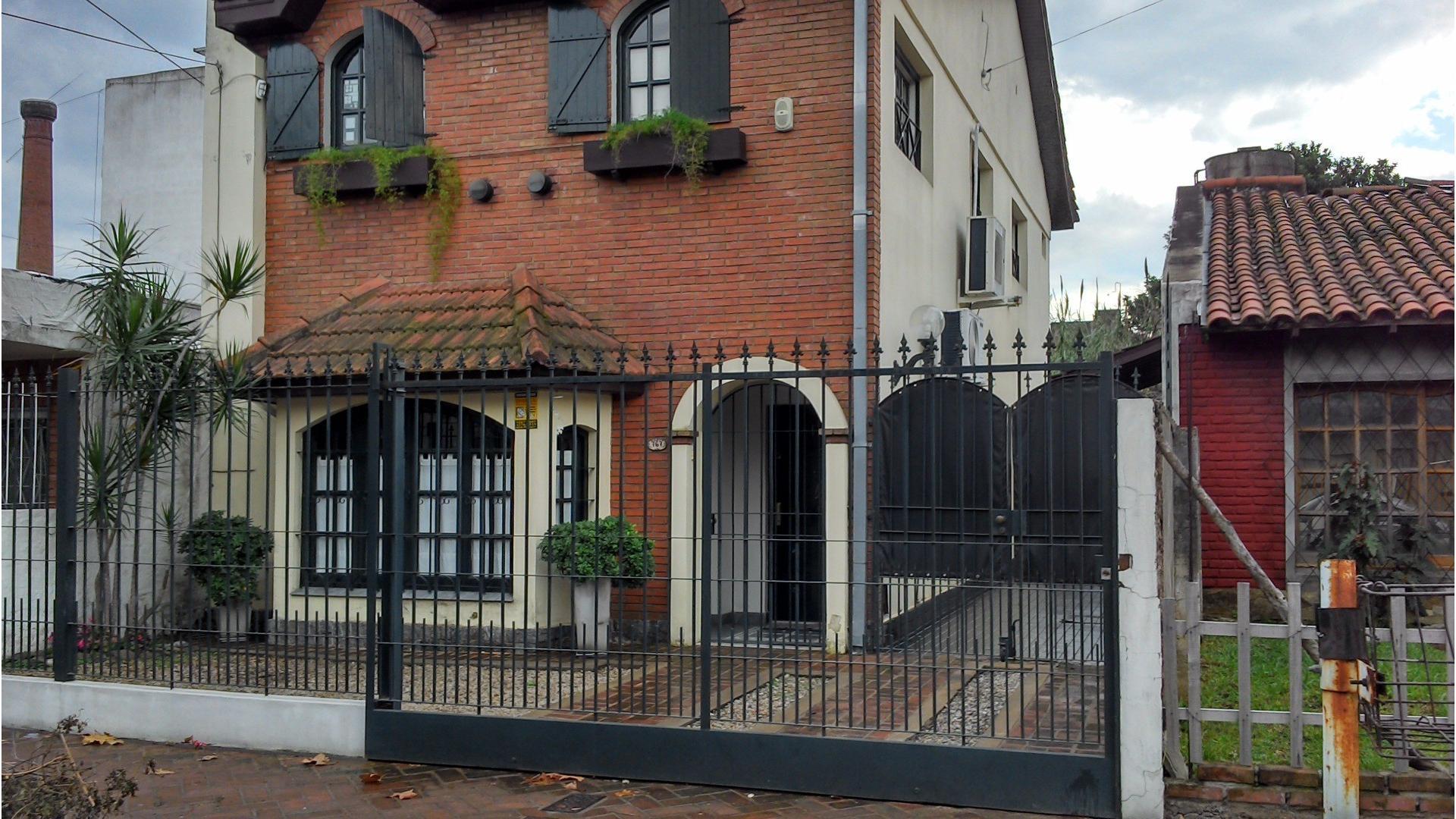 Casa 5 ambientes Ramos Mejia Sur
