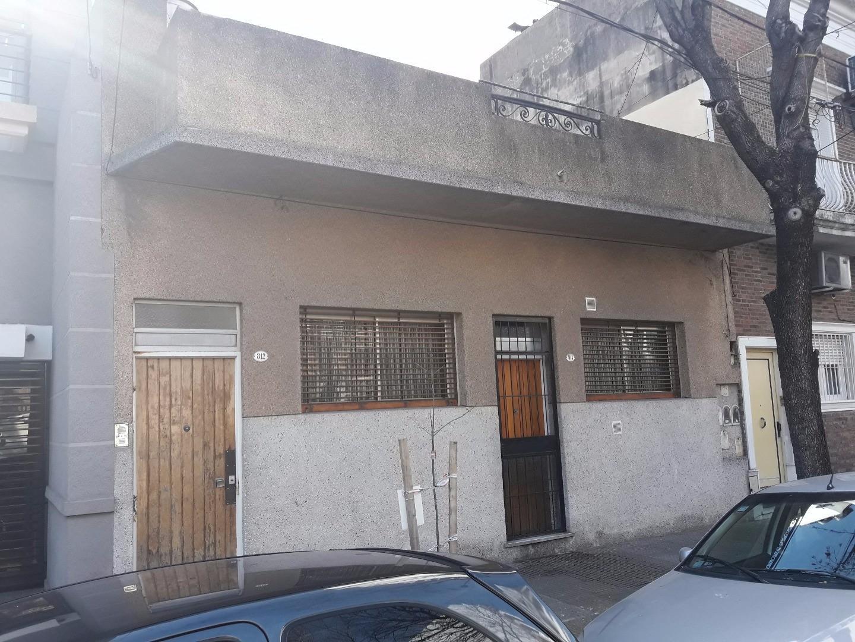 PH 4 ambientes c/ dep. (o 4 dorm.) Terraza. 2 baños Sin expensas. A Reciclar! mts Parque Chacabuco