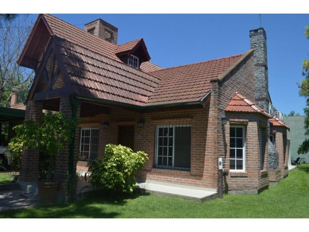 Muy linda casa en venta en canning a cuadras de las toscas