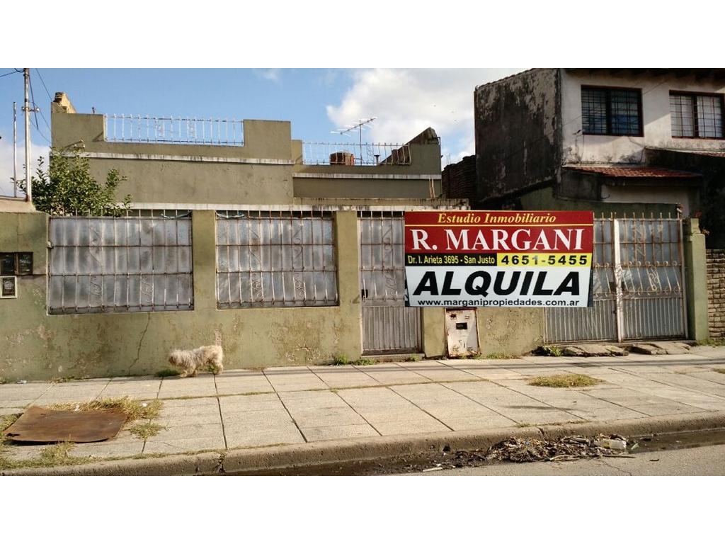 Casa en alquiler en ambrosetti 3917 villa constructora for Constructora casa