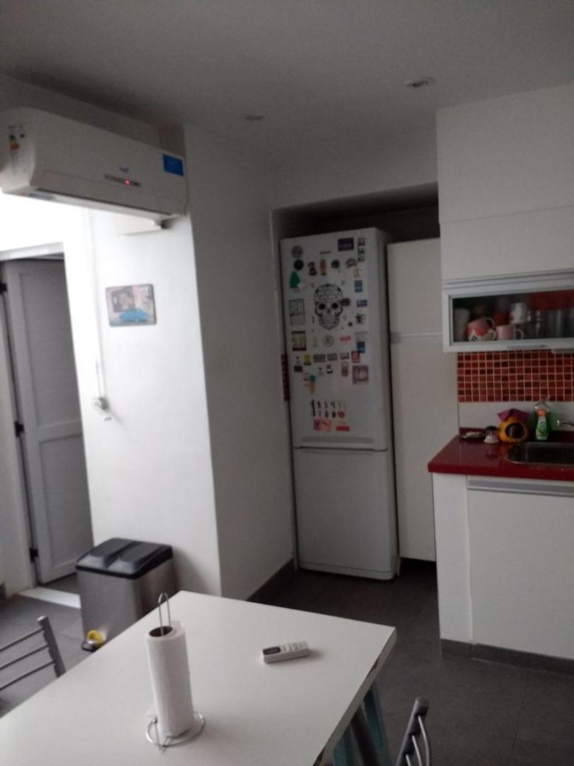 Interesante departamento de cuatro ambientes-100 metros cuadrados reciclado a nuevo