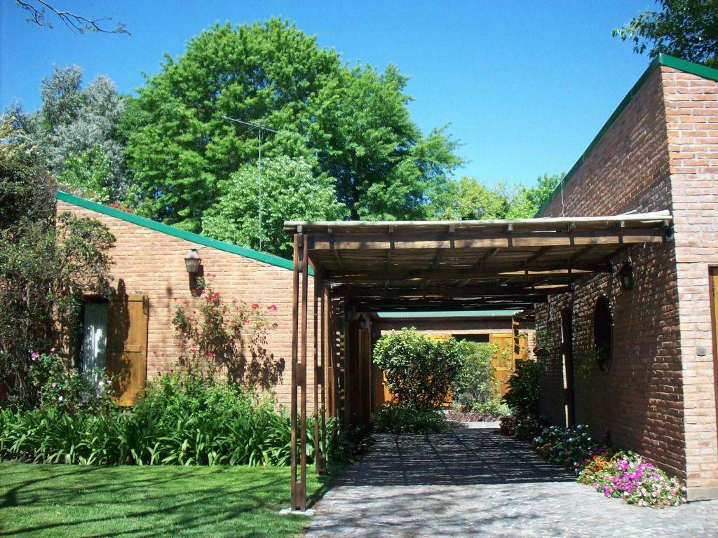 Casa  en Venta ubicado en Highland Park CC, Pilar y Alrededores - PIL3009_LP77637