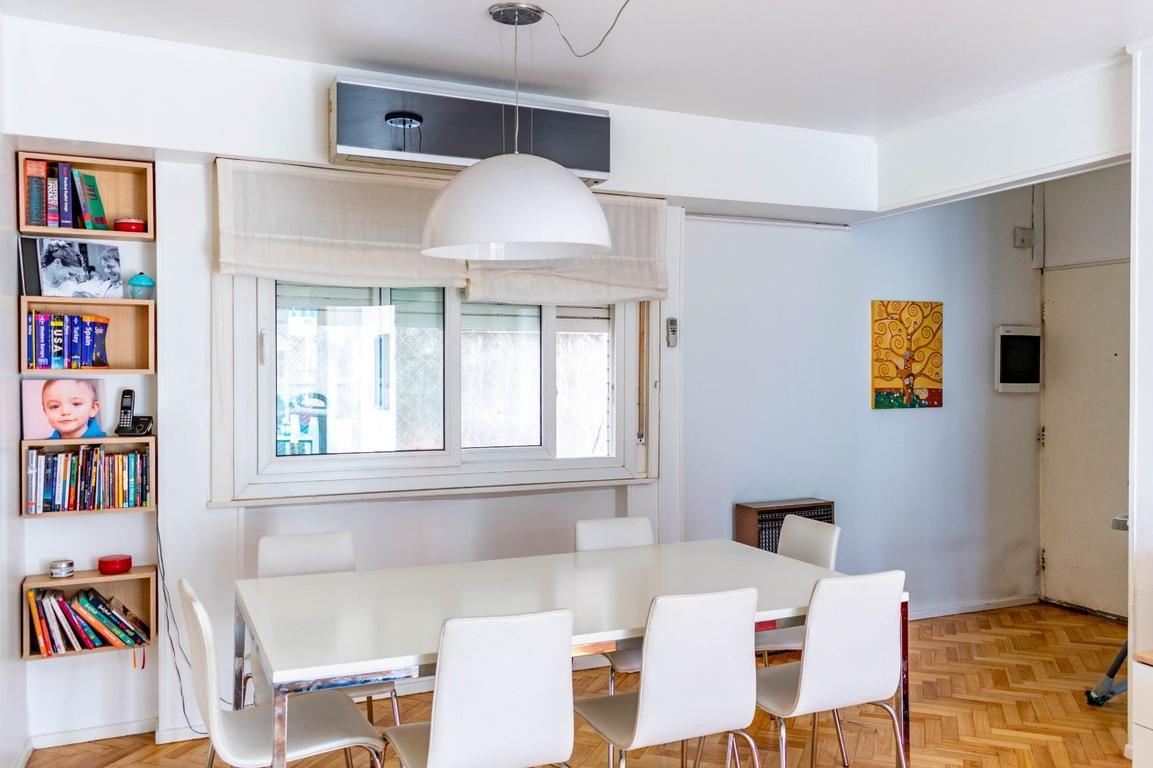 Apto crédito 4 ambientes con balcón terraza en Palermo