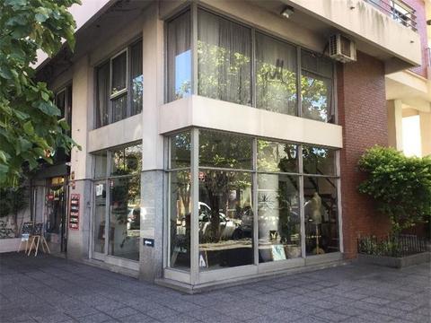 Local comercial con entretipo - Excelente Ubicacion - Ideal profesional