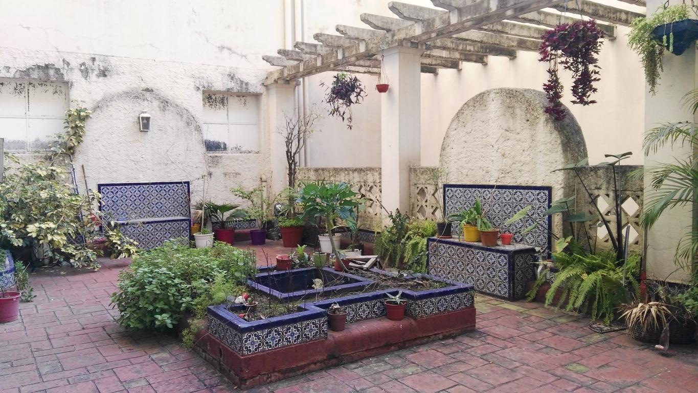 Semipiso de 180 mts cubiertos, 260 mts totales. Con terraza andaluza y patio.