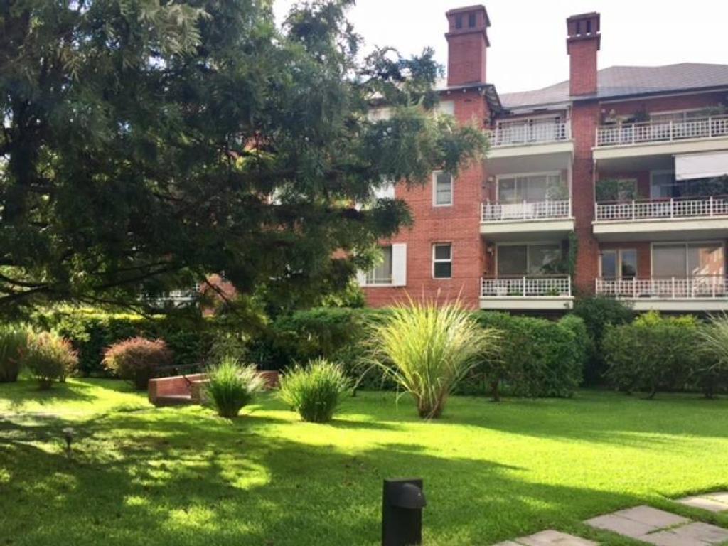 Casa en venta en b jardines de san isidro newbery jorge for Jardines 6 san isidro