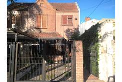Duplex 4 ambientes - cochera - 3 baños - patio con parrilla - Versailles