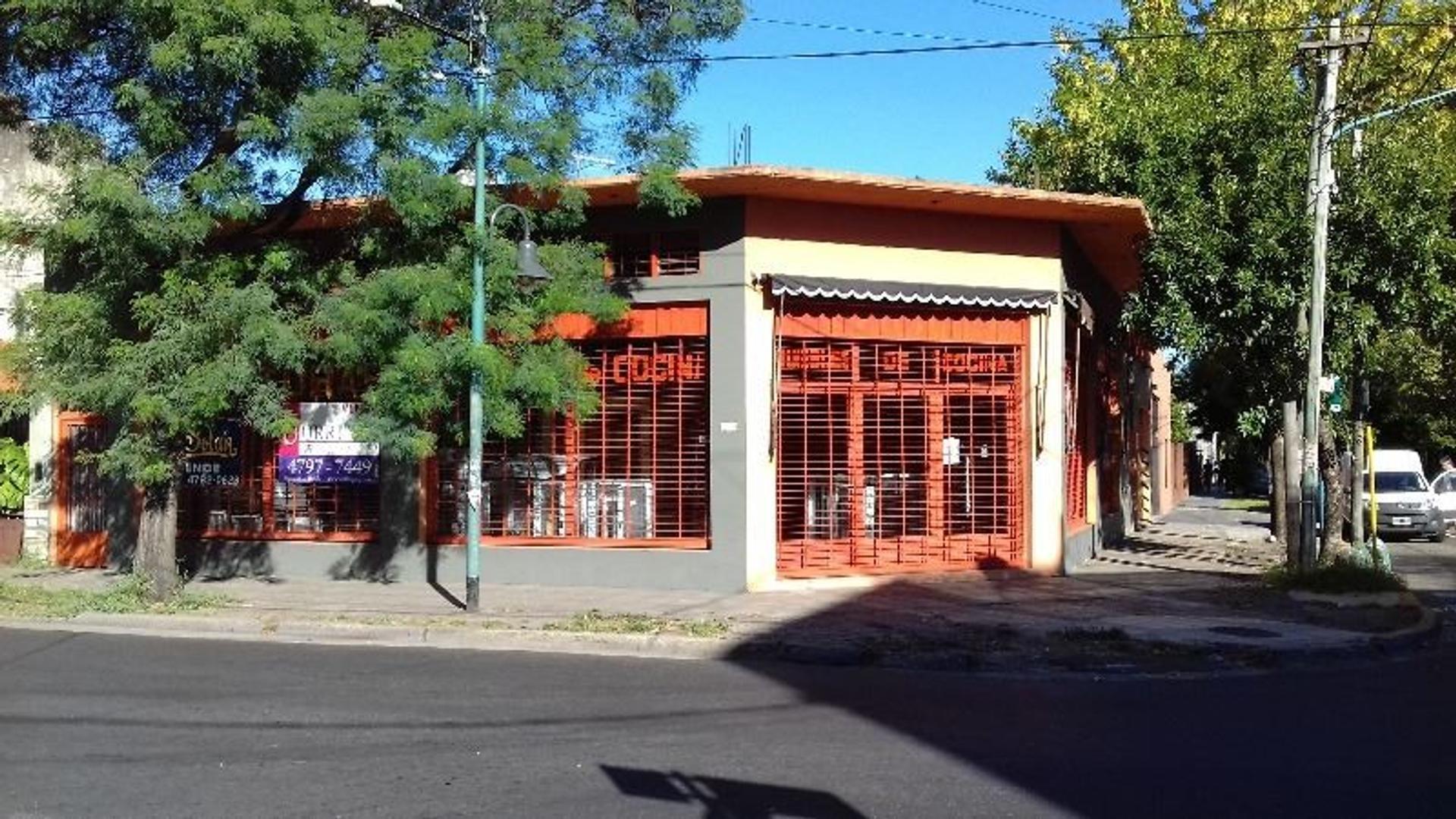 LOCAL Y DEPOSITO EN ALQUILER. APTO VARIOS RUBROS.