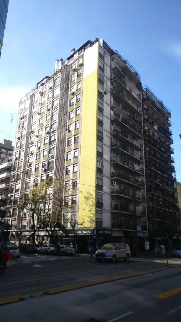 Departameto tres ambientes Av Cabildo 500 con patio