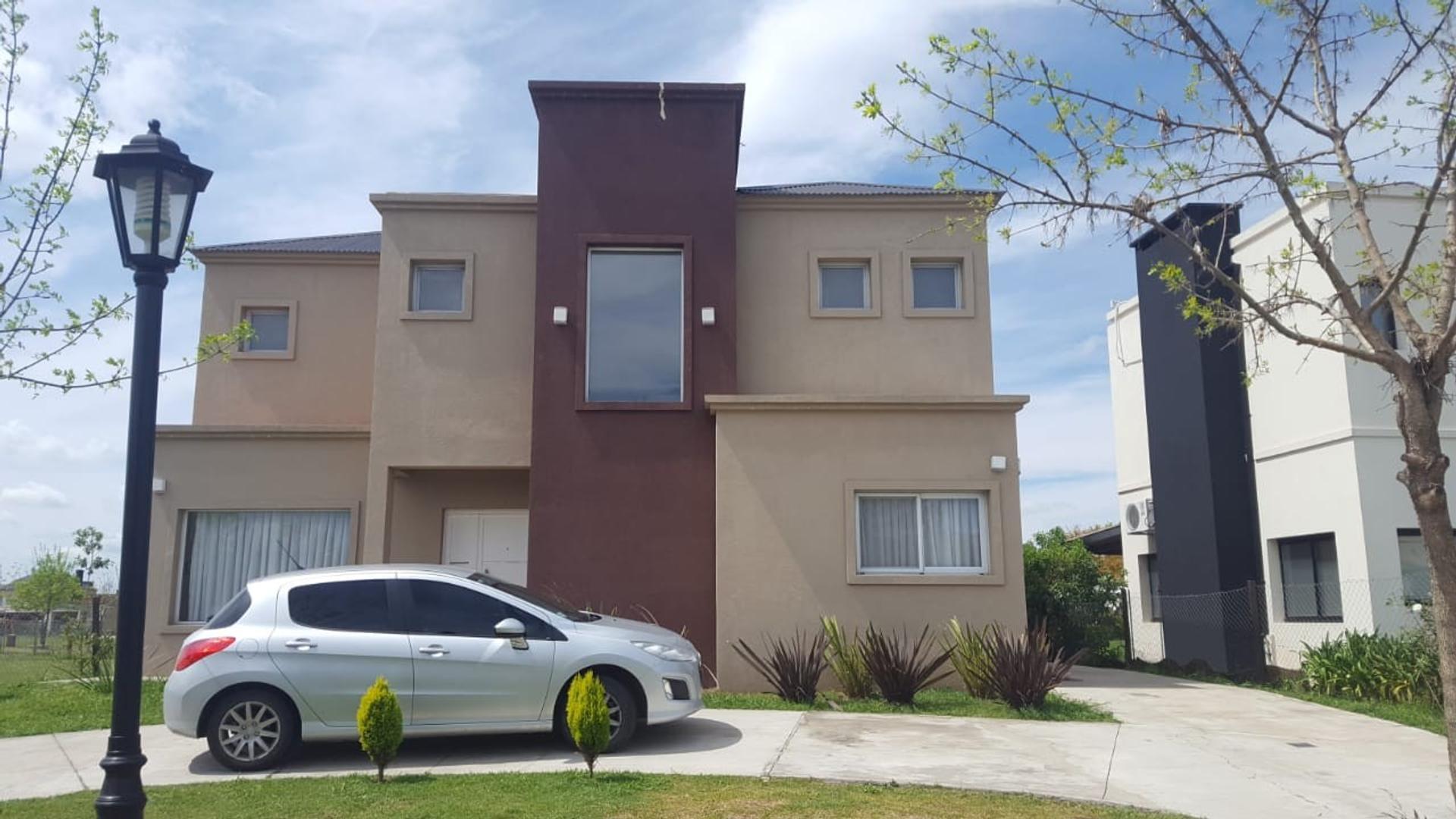 Casa en Venta en Pilar del Este - San Alfonso - 5 ambientes