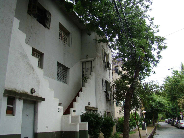 Trea ambientes - entrada independiente - Barrio Alvear - 2º Piso