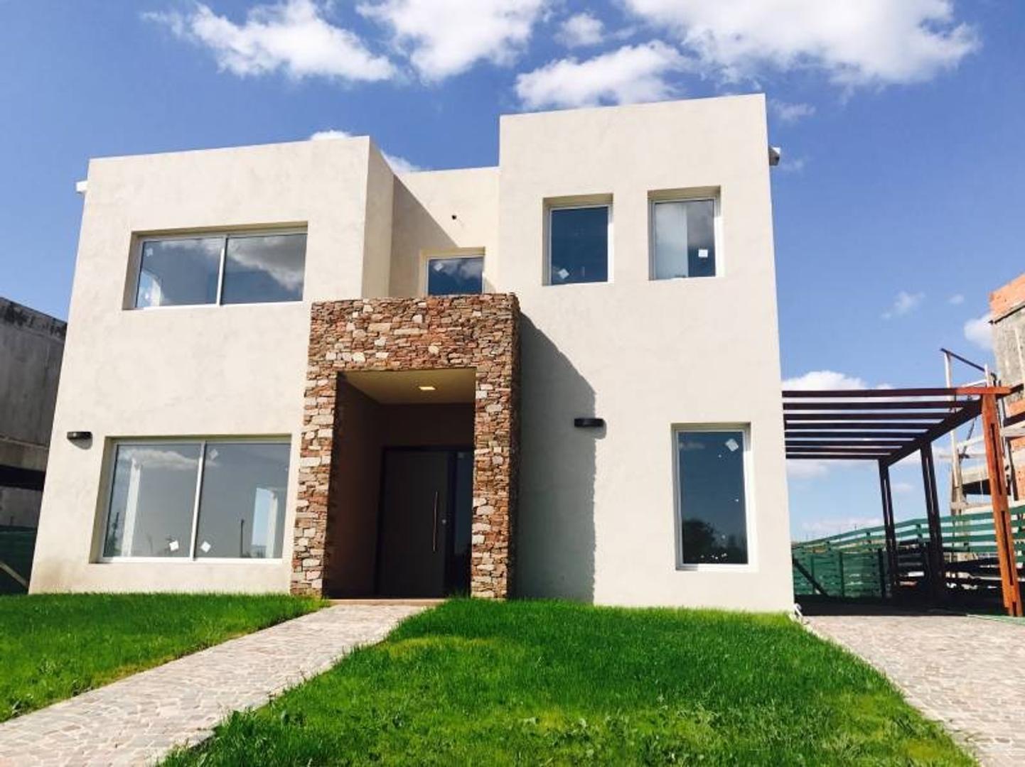 NORDELTA   CASA A LA VENTA: Excelente casa para la familia tipo!