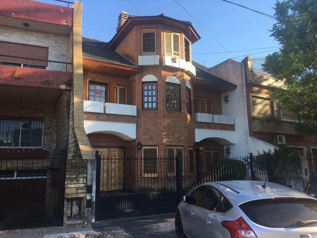 Casa - Venta - Argentina, Capital Federal - ZEQUEIRA  AL 7500