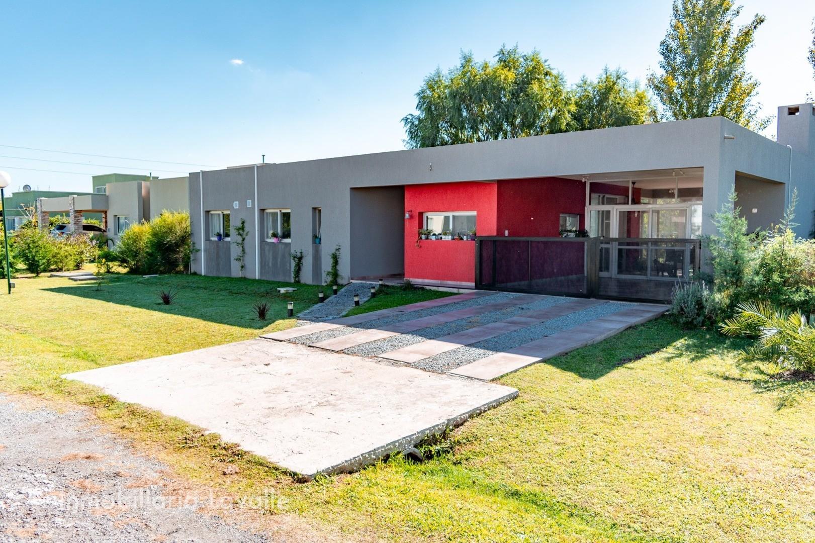 Casa en Venta en Countries y Barrios Cerrados La Plata - 4 ambientes