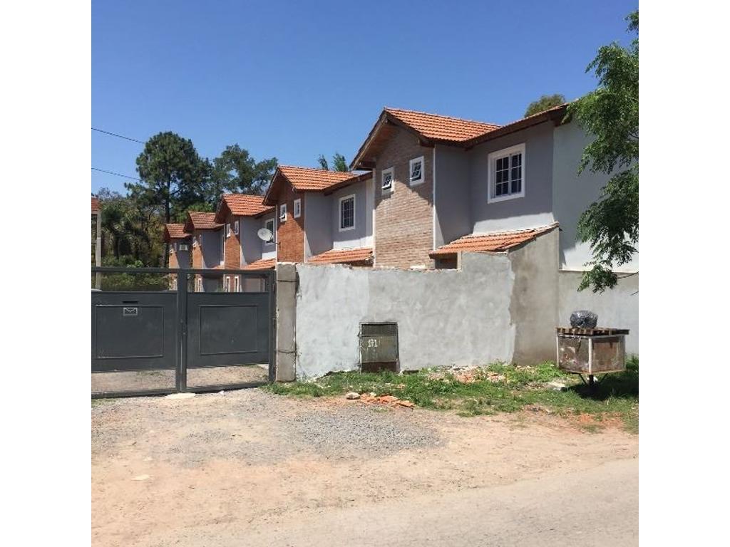 Duplex a estrenar en José C. Paz de 3 Amb en Complejo Cerrado
