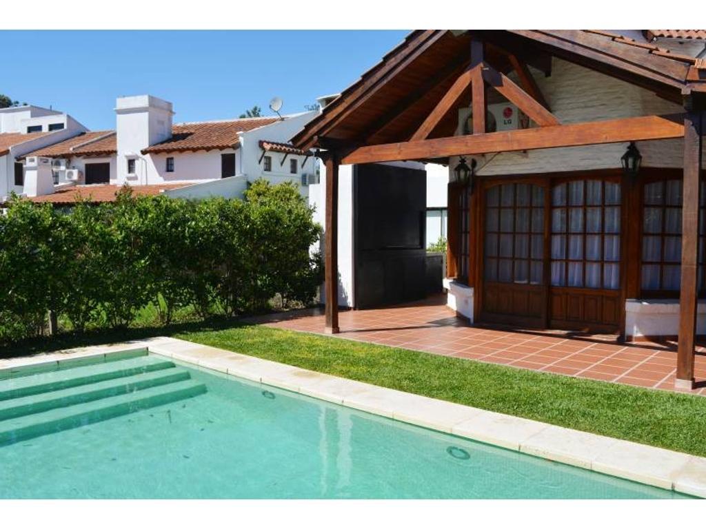 Imperdible casa en Aranjuez Country Club con Pileta!